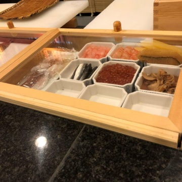 ■■ Sushi toppings case ■■